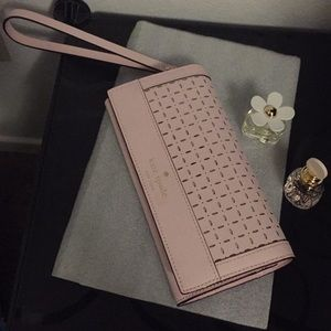 Like New! Authentic Kate Spade Perforated Wristlet